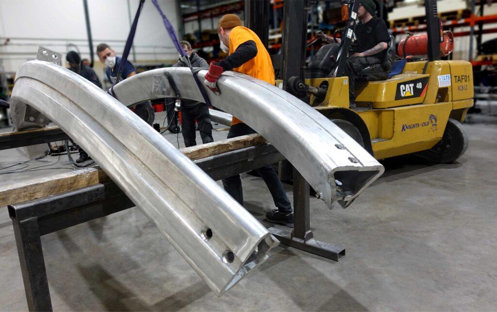 Aluminium 3D bending on large profile