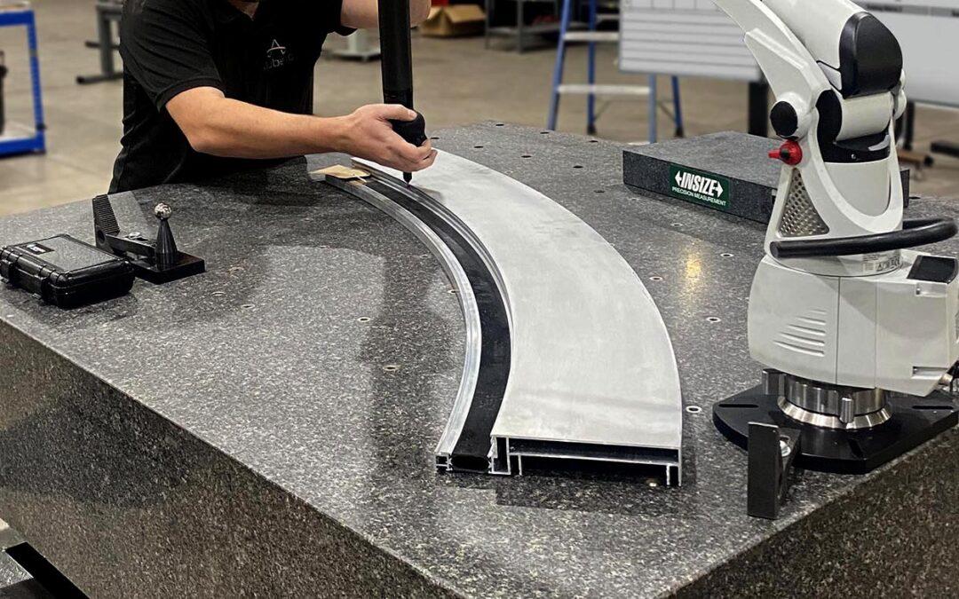 Large curved structural aluminium profiles
